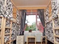 Двухъярусная кровать для хостела со шторками