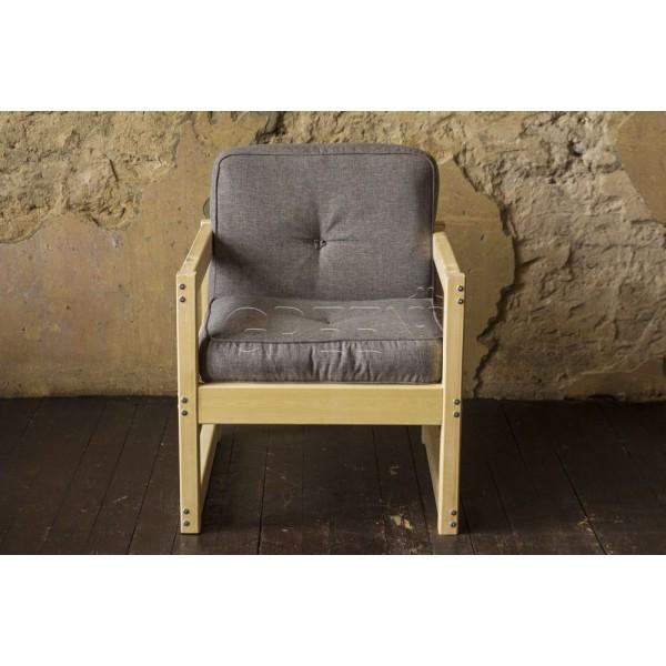 Кресло из массива